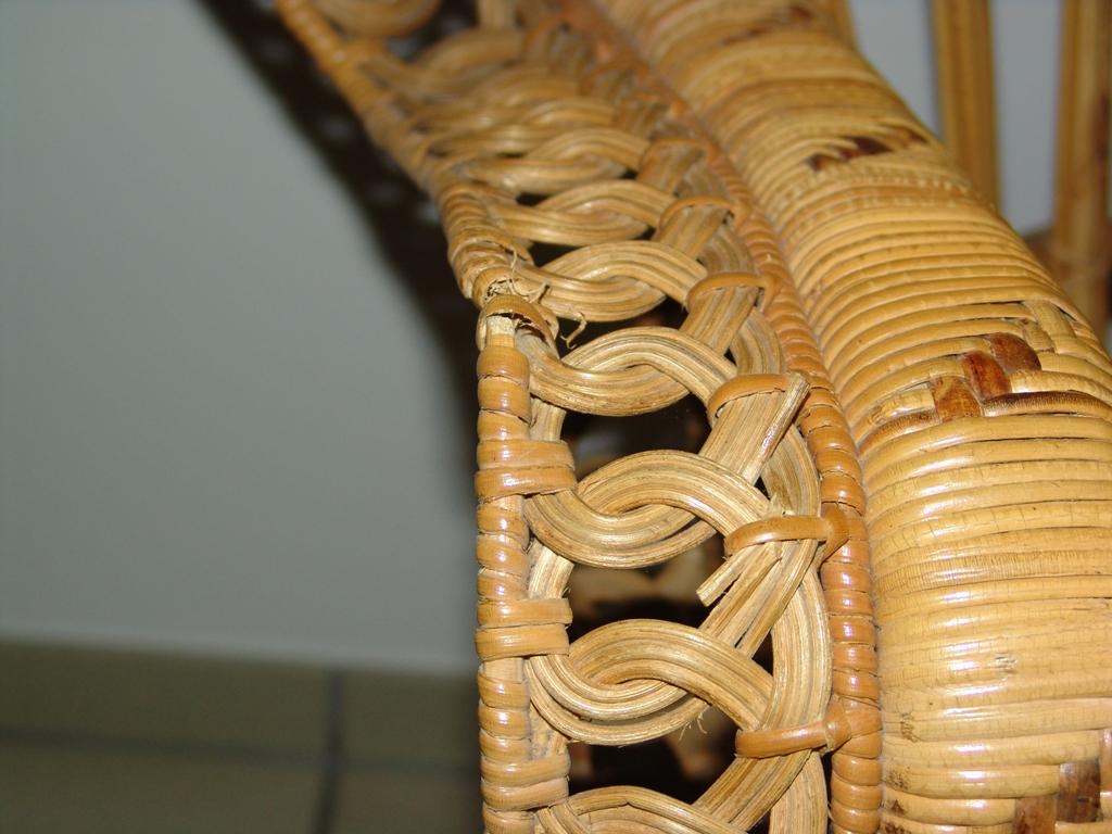 Echter alter pfauenthron sessel korbstuhl top design top for Design korbstuhl